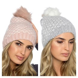 GL842 LADIES BRUSHED BOBBLE HAT WITH CHEVRON DESIGN